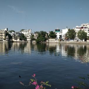 lake pichola, Udaipur, udaipur cafes, desipostcards