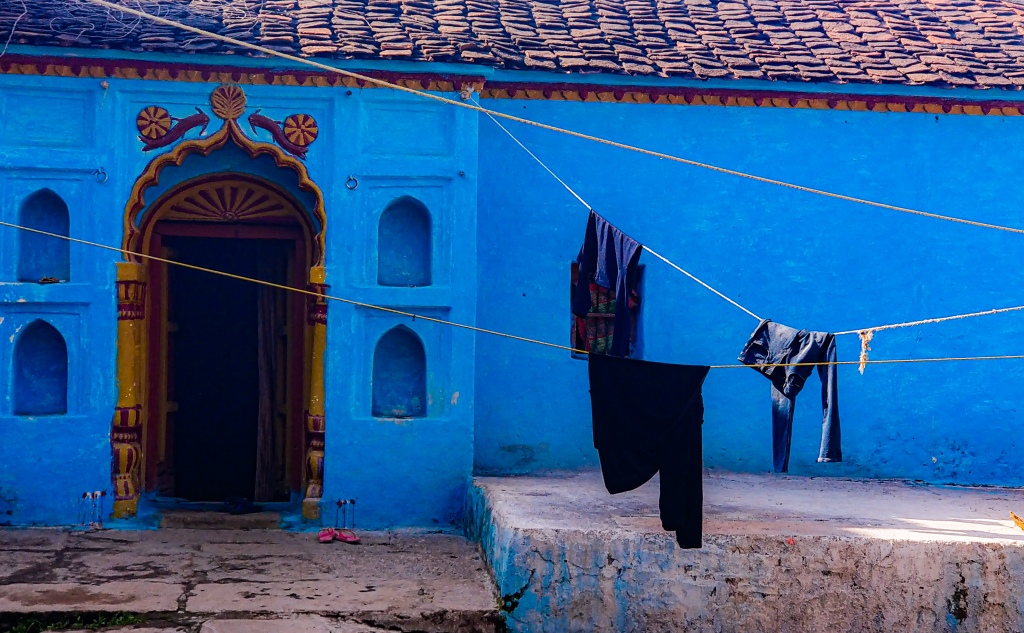Colourful blue house in Orchha